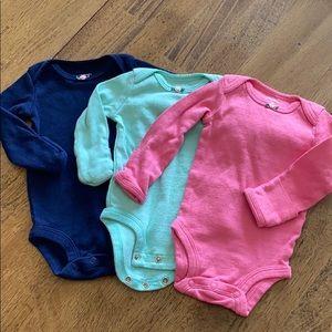 Carters bundle NB girls long sleeve onesies